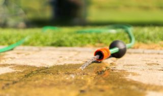 Wasserauslass der Tauchpumpe