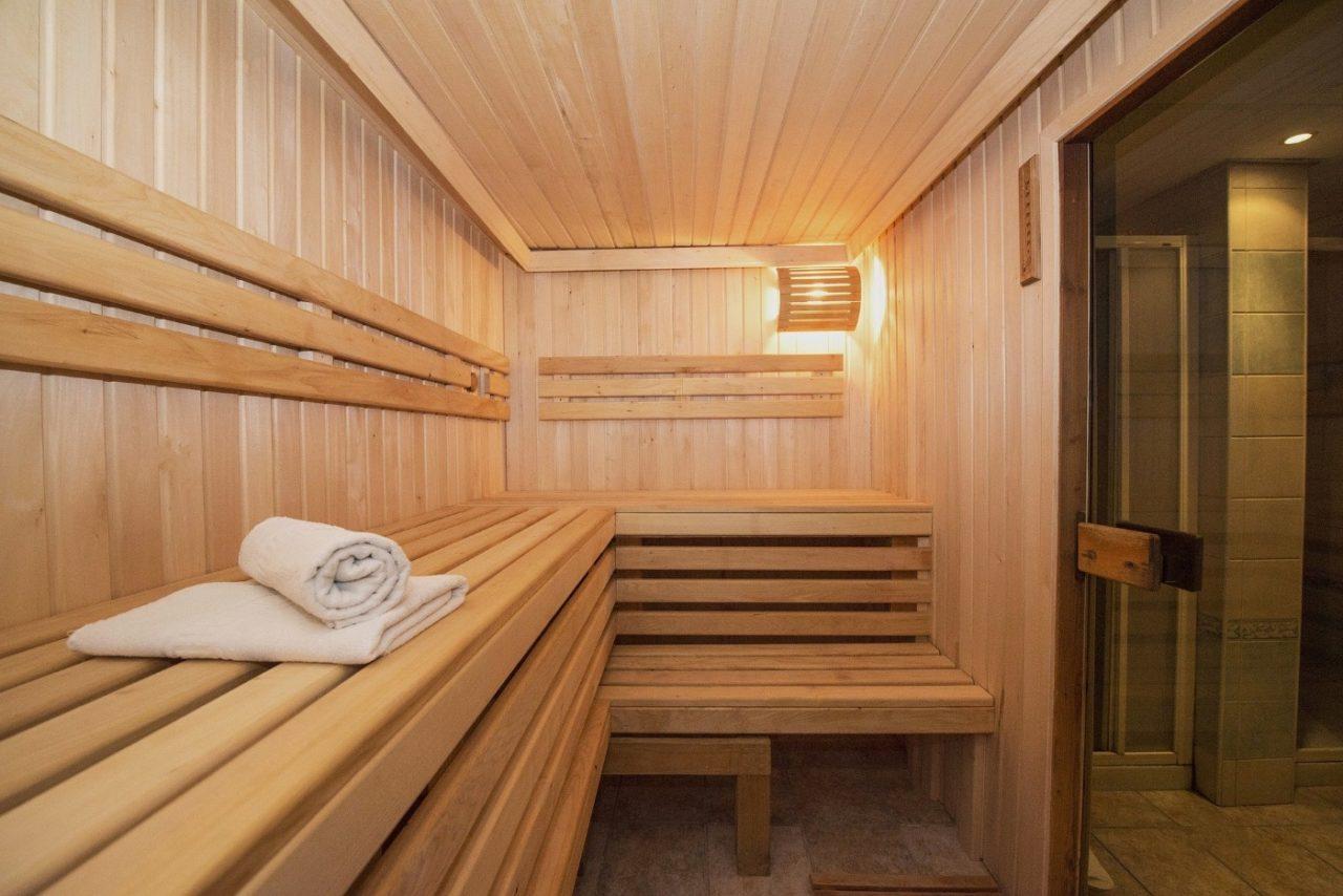 Sauna im Poolhaus