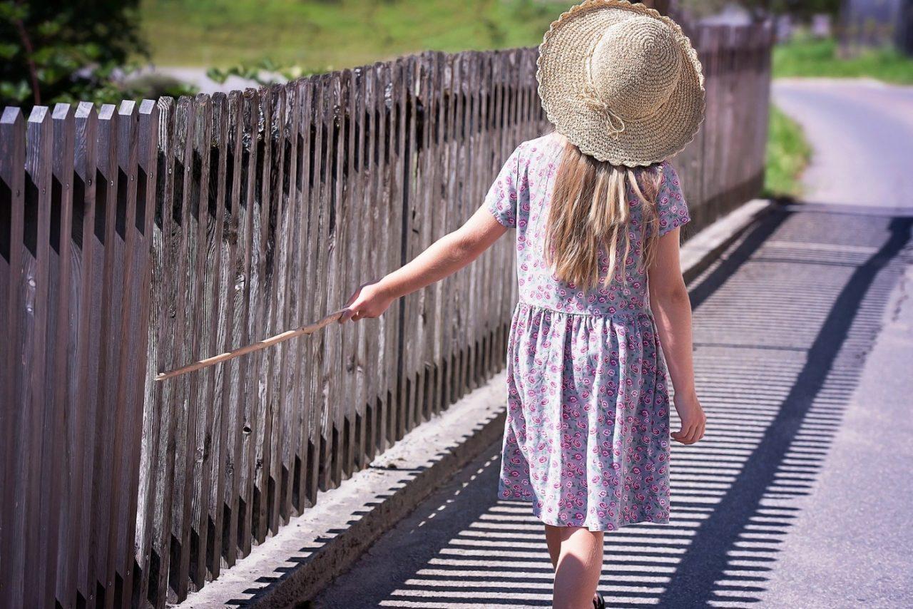Zaun als Schutz der Kinder